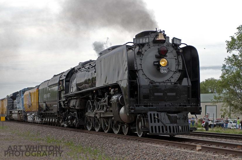 UP 844 pulling into Belvidere Nebraska - May 2011